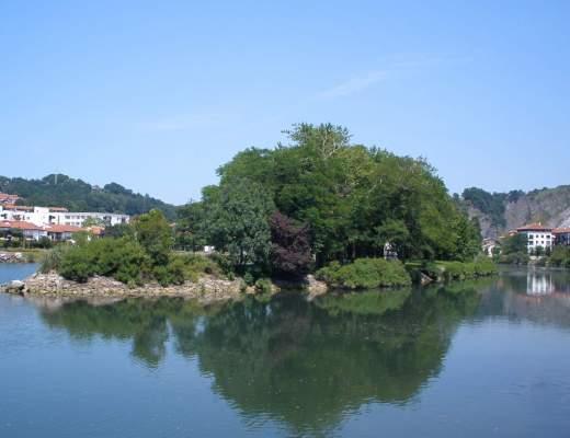 Pheasant Island on Bidasoa River is sometimes french and sometimes Spanish
