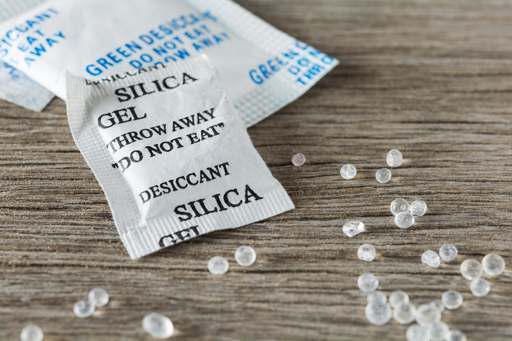 silica gel bags can protect your things from moisture