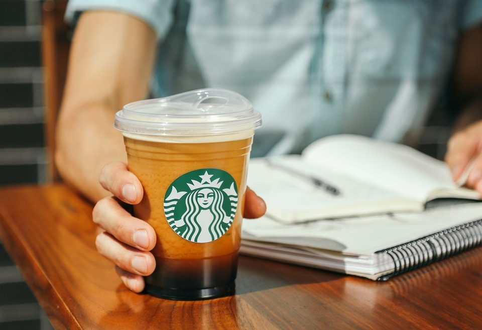 Starbucks are dumping the plastic green straws for sippy cups