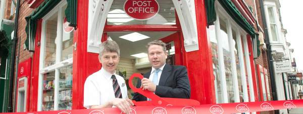 Bailgate Post Office subpostmaster Simon Clarke and Lincoln MP Karl McCartney open the Bailgate branch.