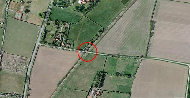 The nearest crossing to the incident, south of Collingham.
