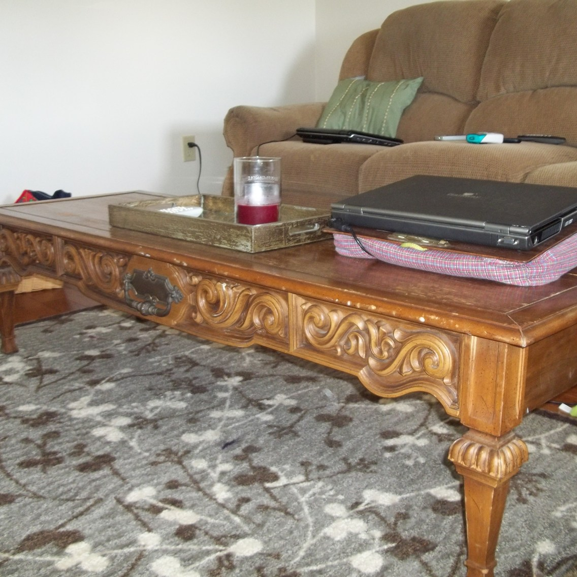 Before After Coffee Table Refinishing Project Thelittledabbler