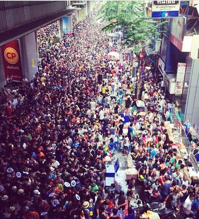 thelocalist.com_SilomRdBangkok