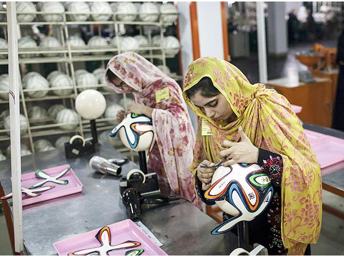 thelocalist.com-pakistan-footballs