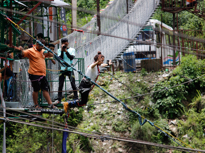 Swing into 160-meter-deep Bhotekoshi Gorge