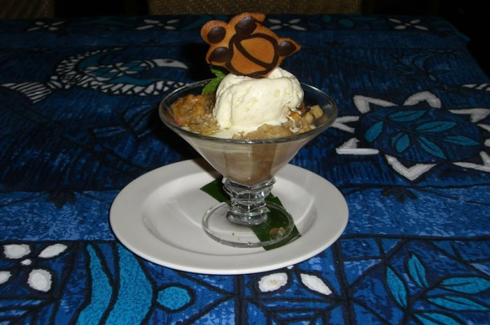 Mama's Fish House Banana Macadamia Nut Crisp with Tahitian Vanilla Ice Cream