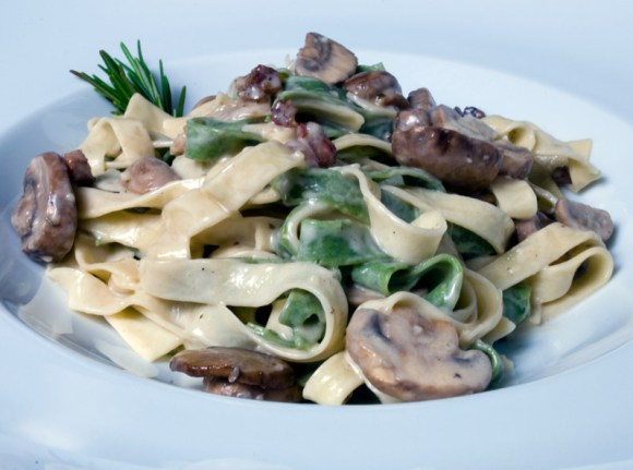 Straw and Hay Serving 2 Spinach & Egg Fettuccini with Wild Mushrooms & Pancetta (Straw and Hay)