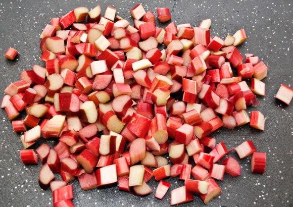 Sliced rhubarb Rhubarb, Tangelo & Cardamom Marmellata