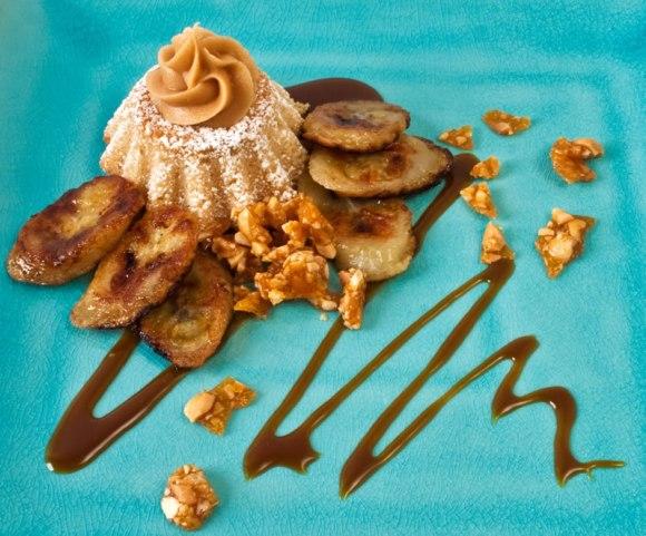 Deconstructed peanut butter cup cake 2 Peanut Butter & Garam Masala Cupcakes with Creamy Dreamy Peanut Butter Frosting, Peanut Praline & Caramelized Banana