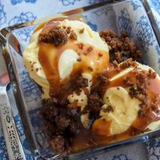Sweet Corn & Vanilla Bean Ice Cream with Spiced Caramel Apple Sauce & Gingersnap Crumble