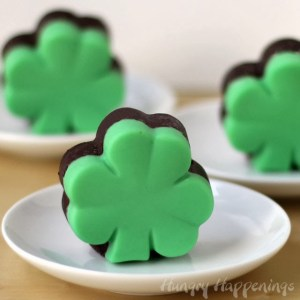 chocolate-creme-de-menthe-fudge-shamrocks