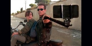 Someone Just Put Selfie Sticks Replacing Guns In Famous Movie Scenes And It's Hilarious!
