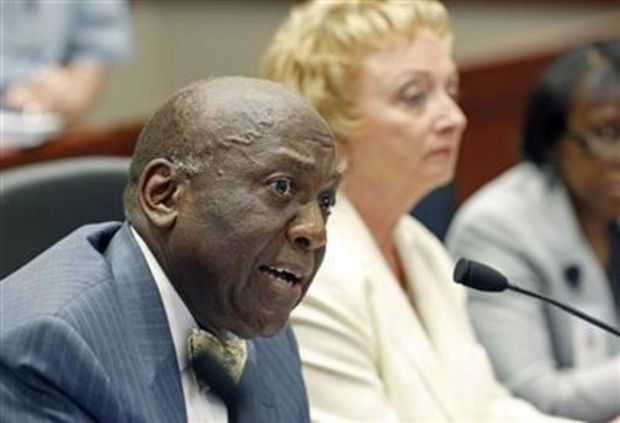 Mississippi Department of Education board chairman John Kelly, left, opens the department's presentation before the Joint Legislative Budget Committee in Jackson, Miss., Tuesday, Sept. 30, 2014, as State Superintendent Carey Wright listens. (AP file photo)