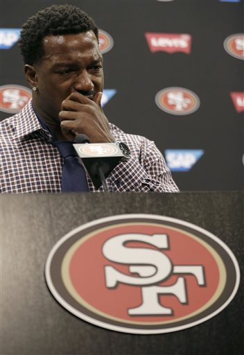 San Francisco 49ers linebacker Patrick Willis speaks at a news conference at the 49ers\' NFL football facility in Santa Clara, Tuesday, March 10, 2015. Willis, a seven-time Pro Bowler, will retire after his 2014 season was cut short by a toe injury that required surgery, the 49ers announced, Tuesday. (AP Photo/Jeff Chiu)