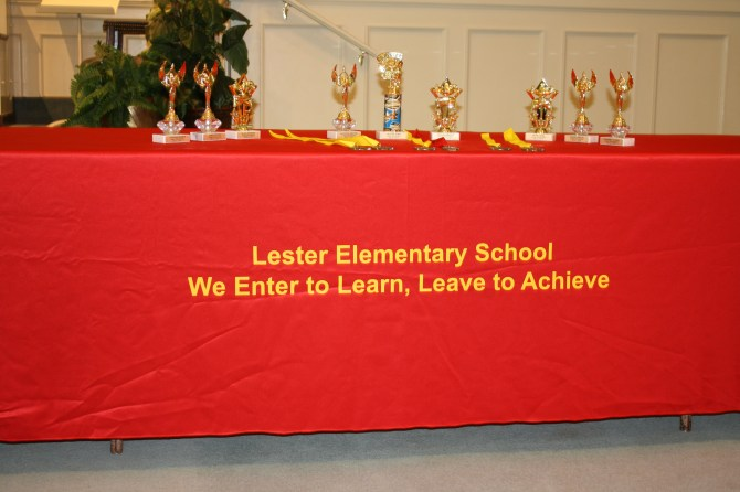 everal Lester students received trophies and other awards for their accomplishments. PHOTOS BY SHANDERIA K. POSEY