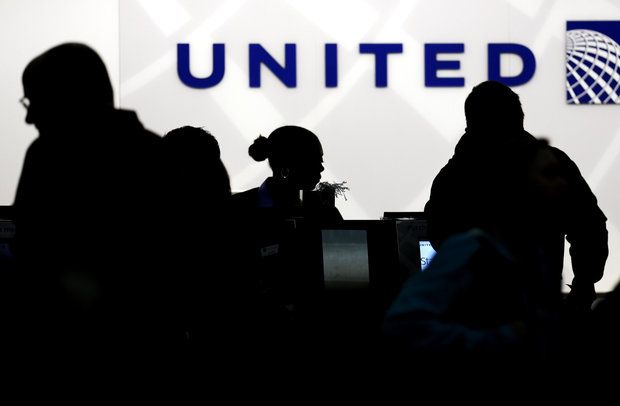 Unites Airlines' troubles continue on Monday. (Nam Y. Huh / AP)
