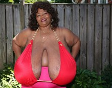 Meet Norma Stitz, the woman with the largest natural breasts in the world.