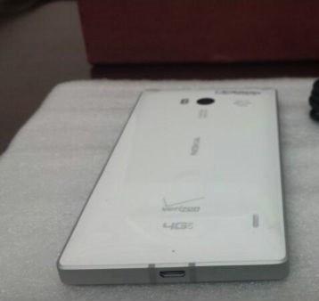 Leaked photo of white Nokia Lumia 929 for Verizon