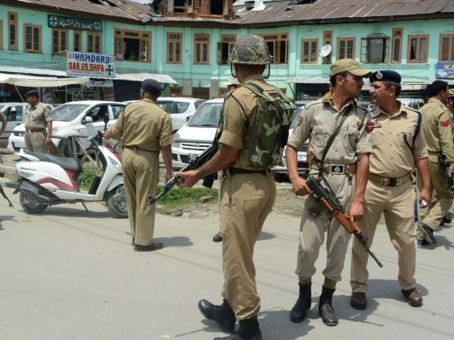 India Launches Crackdown In Kashmir To Quell Violence