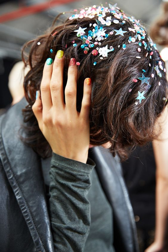 Crazy Hair Trends: Glitter Roots