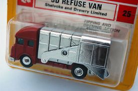 mint-husky-model-no-25-refuse-van-within-red-yellow-blister-card-2278