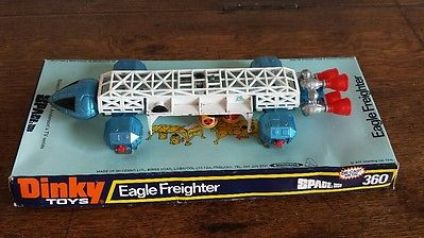 vintage-1970s-dinky-toys-eagle-freighter-360-space-1999-die-cast-blue-white-box-41403