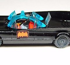 HUSKY BATMOBILE  – GREAT BRITAIN – 1960s NRMINT with working rear flame