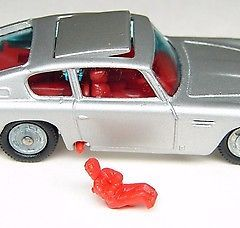 HUSKY JAMES BOND ASTON MARTIN DB5  – GREAT BRITAIN – 1960s MINT working ejector