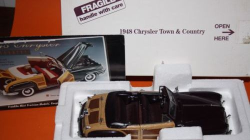 Danbury/Franklin Mint 1948 Chrysler Town & Country. 1:24 Scale Diecast Car