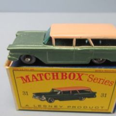 Matchbox Reg Whls 31B Ford Station Wagon Green-Pink / RARE BLACK BASE & SPW