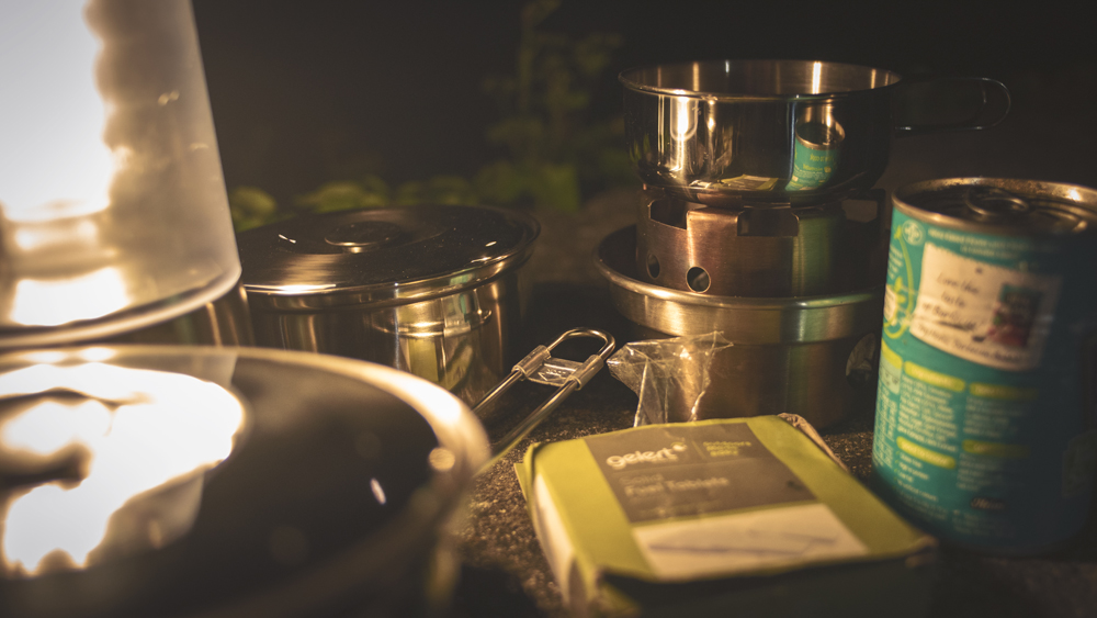 Asaklitt Clas Olsen 6 Piece cook set with Kelly kettle hobo Stove and Beans