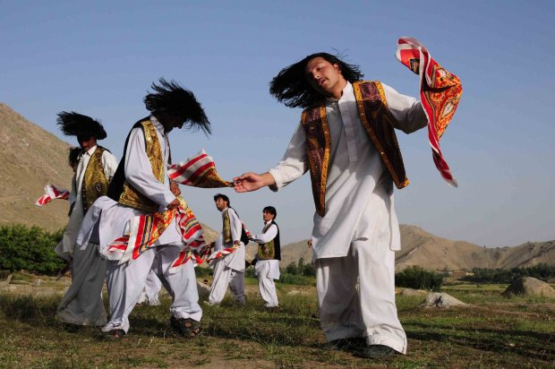 Afghanistan_Attan_dancing-181