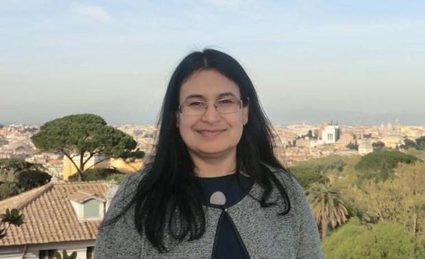 Dr. Farhat Taj