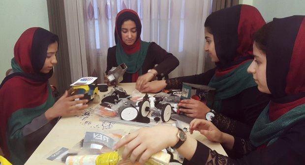 Afghan-robotics-team-visit-USA