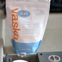 Vaska Eco-Friendly Laundry & Dish Care Products {Review & Giveaway}