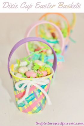 Dixie Cup mini Easter Basket Craft - cute idea for kid's classrooms or parties