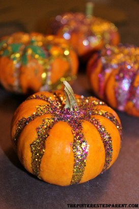 Glitter Pumpkins - a pretty craft for kids or for adults
