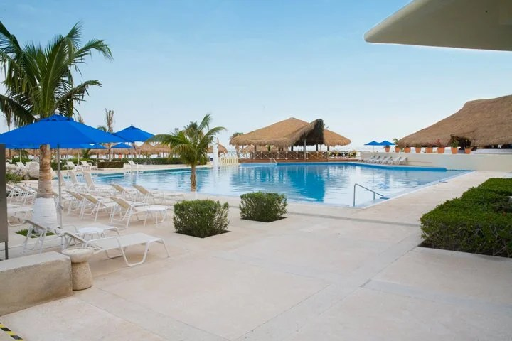 Pool area at the Presidente InterContinental Cancun Resort.