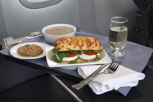 With enhancements to its dining policies starting February 1, United hopes that the way to premium customers' hearts is through their stomachs.