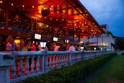 My wife and I took advantage of the quadruple dip for an al fresco night out at Carmine's in Palm Beach Gardens