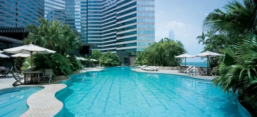 The outdoor (heated) pool at the Grand Hyatt Hong Kong