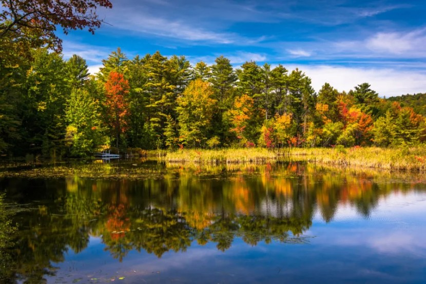 Enjoy fall in New England when you win ownership of a country  inn! Photo courtesy of Shutterstock.