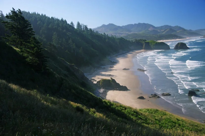 A view of Crescent Beach at Ecola State Park in Oregon. Photo courtesy of Shutterstock.
