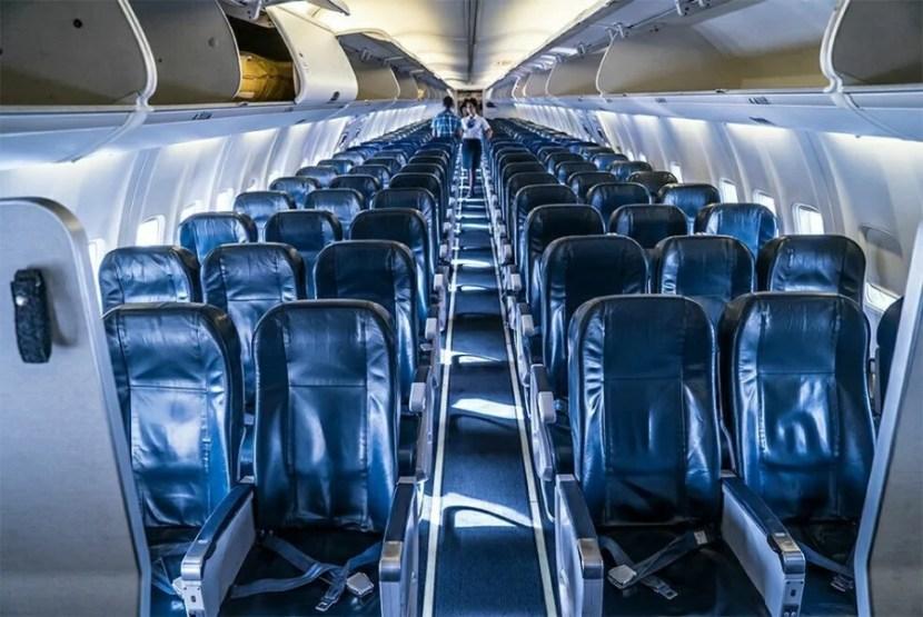 sun-country-charters-mia-sna-economy-cabin-