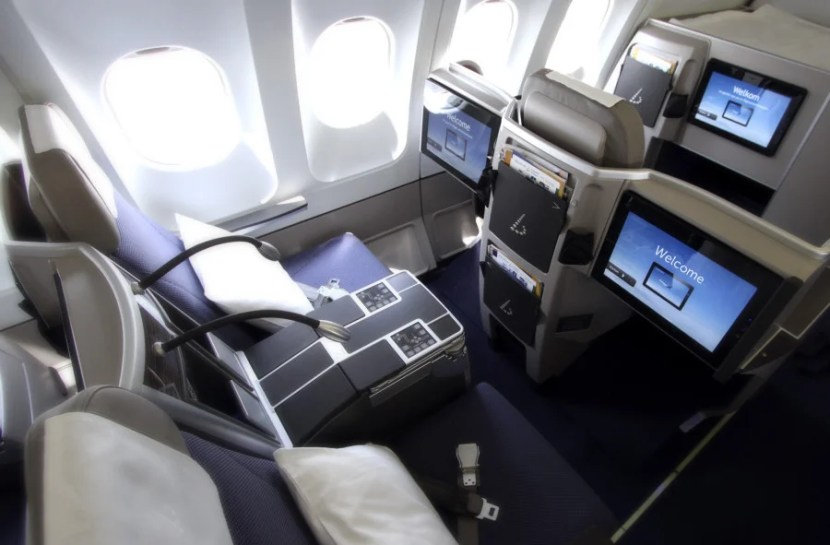 Business class on a Brussels Airlines A330.