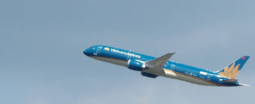 Vietnam Dreamliner Featured