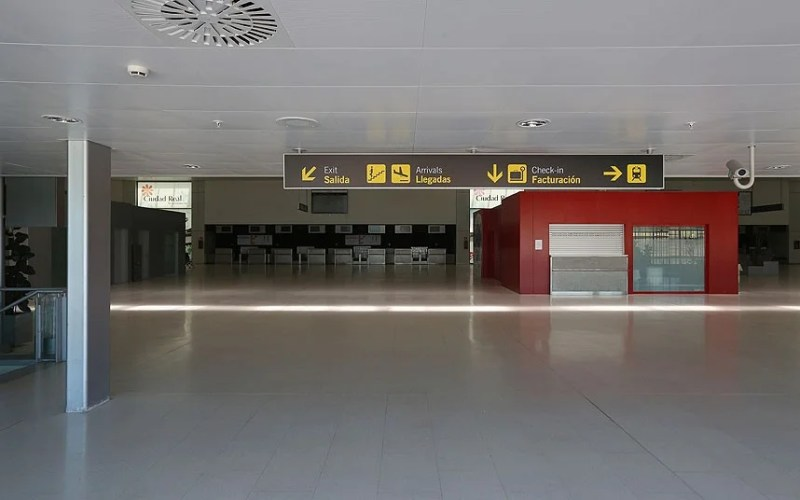 The empty terminal at Ciudad Real.
