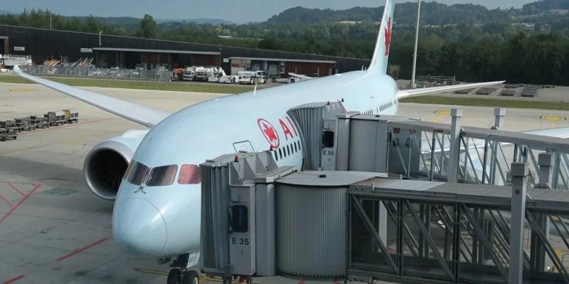 0Air Canada Dreamliner at Zurich gate