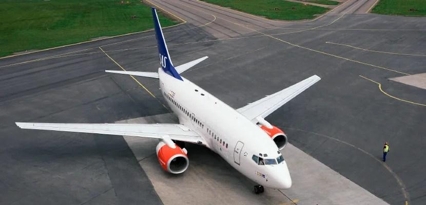 Aircraft-on-ground-001