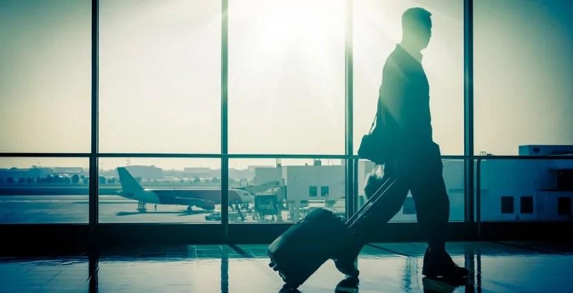 Business traveler featured shutterstock 175629032